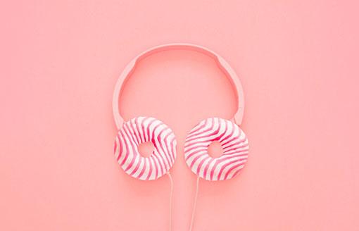 agencia creativa auriculares-caramelos